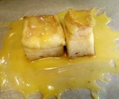 Пряное свиное сало, томленное в меду