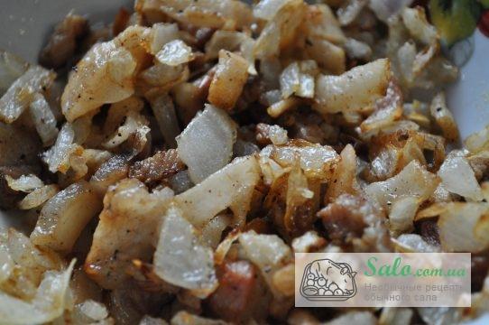лук и специи, делают картошку ещё вкуснее