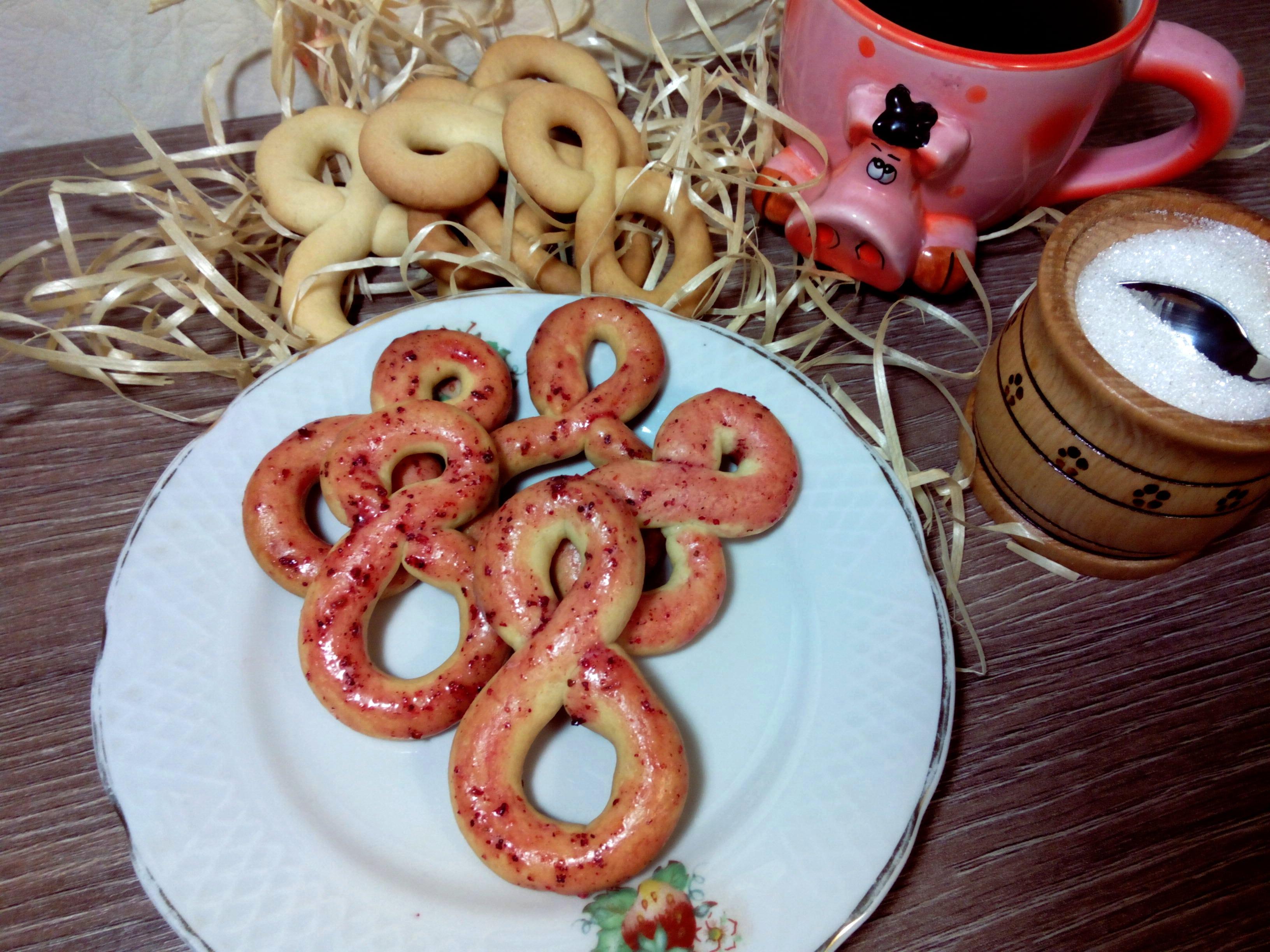 Хрустящее печенье с красивой глазурью на 8 марта
